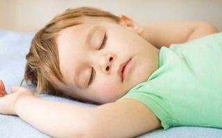 Почему ребенок храпит во сне, методы лечения и профилактики