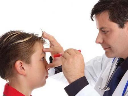 Диагностика конъюнктивита у ребенка специалистами