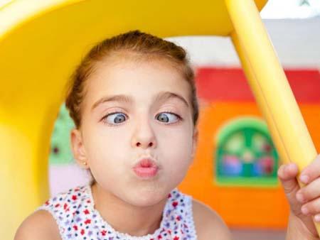 Зачем исправлять косоглазие у ребенка